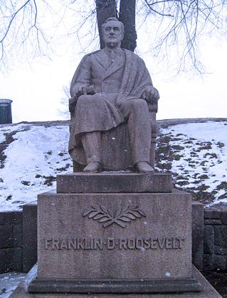 Franklin D. Roosevelt Statue Oslo