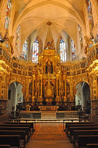 Extravagant Altar