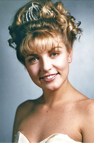 Laura Palmer Prom Queen