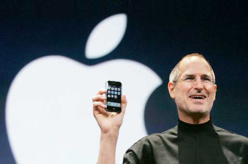 Steve Jobs Intros the iPhone