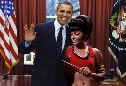 Mirror Univers Nichelle Nichols Uhura and President Obama