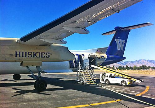 Huskies Plane