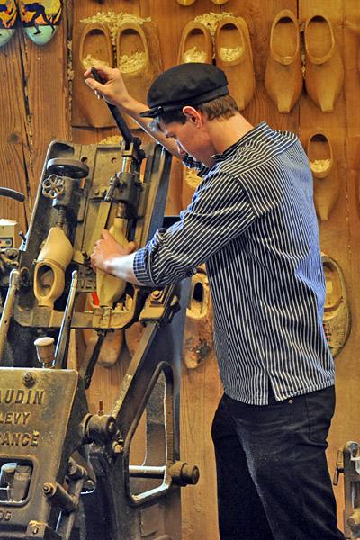 Klompen Wooden Shoe Maker