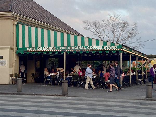 NOLA Cafe Du Monde