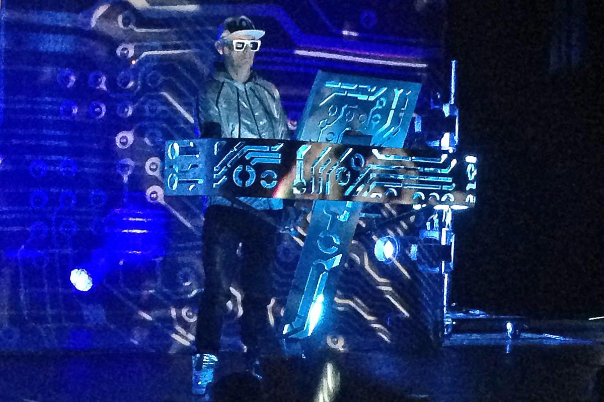 Chris Keyboard Station!