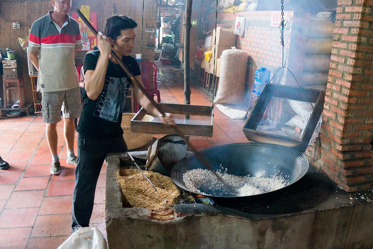 Mekong Popped Rice Making