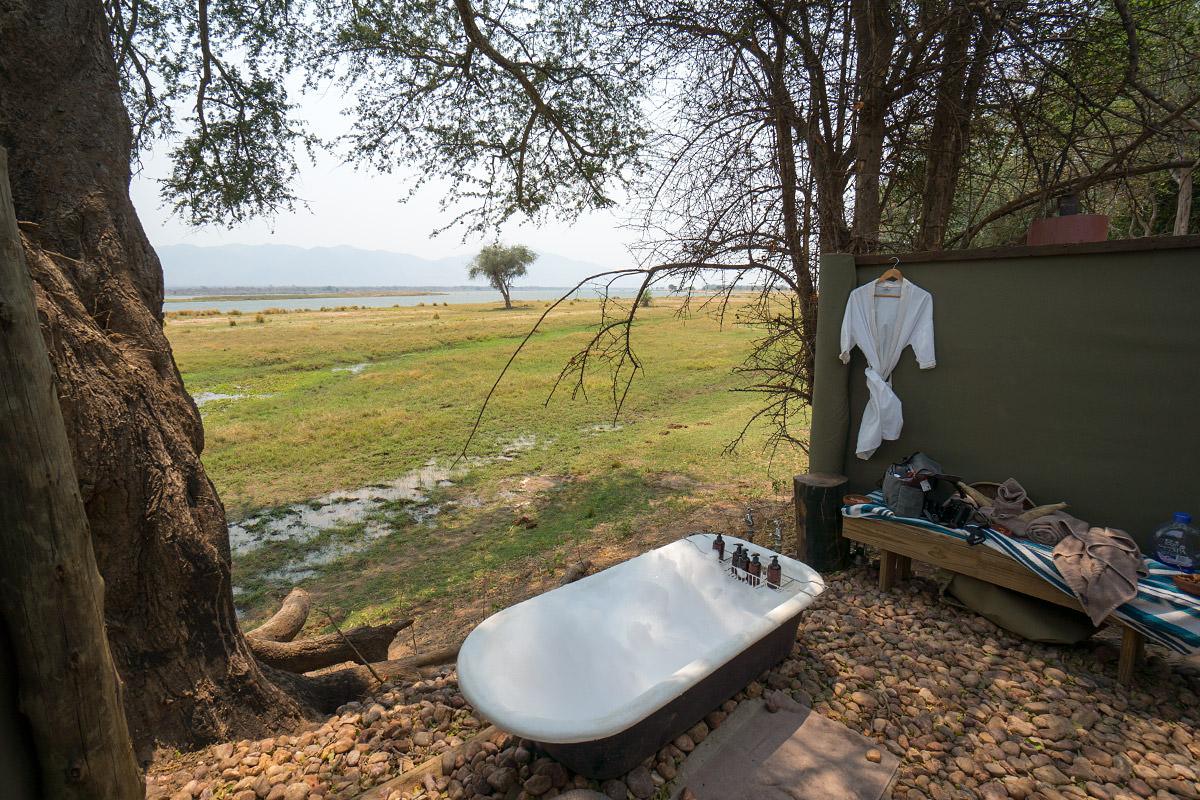 Ruckomechi Outdoor Bath